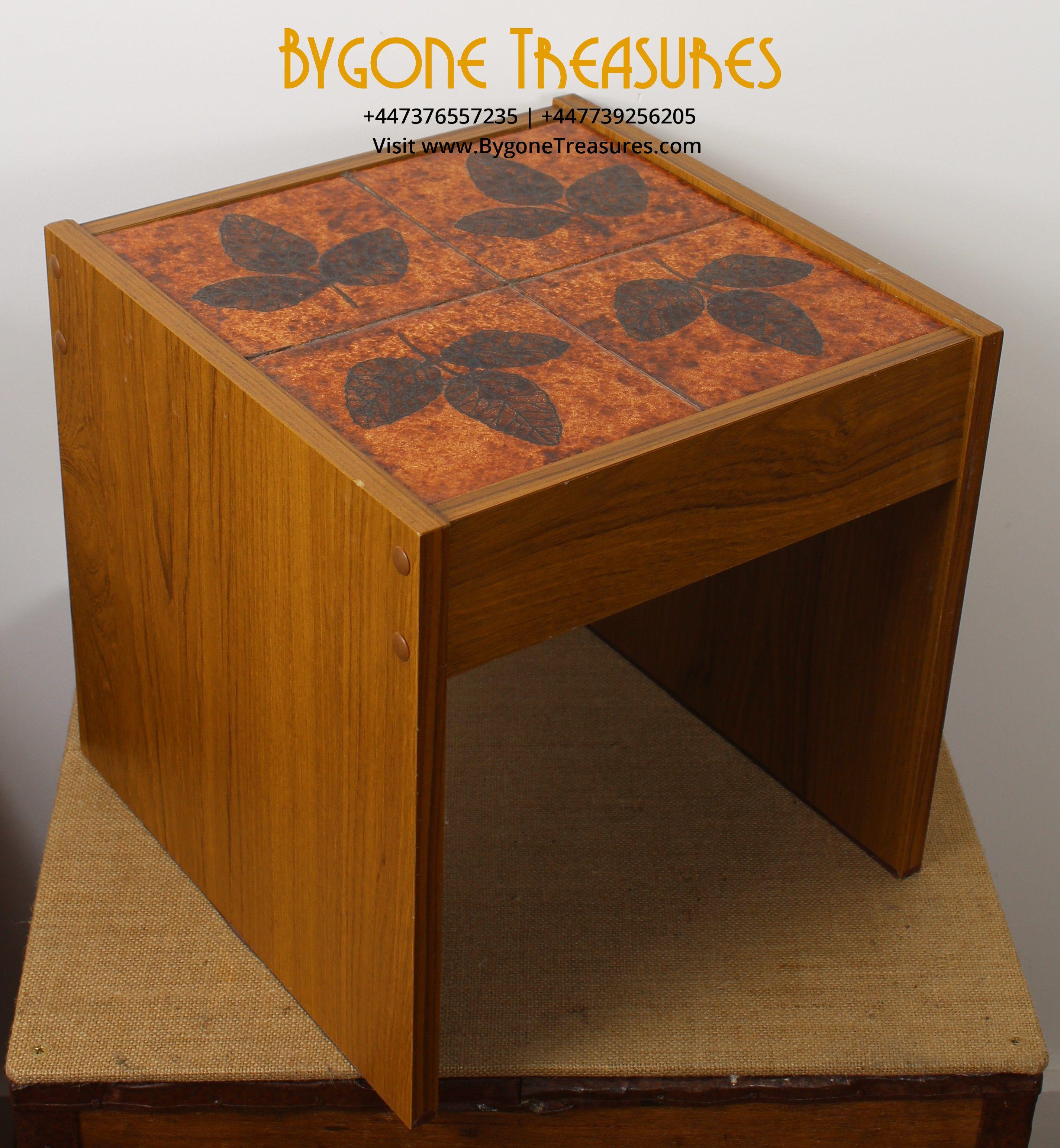 1970's Tiled Table – Floral Leaf Design (1)