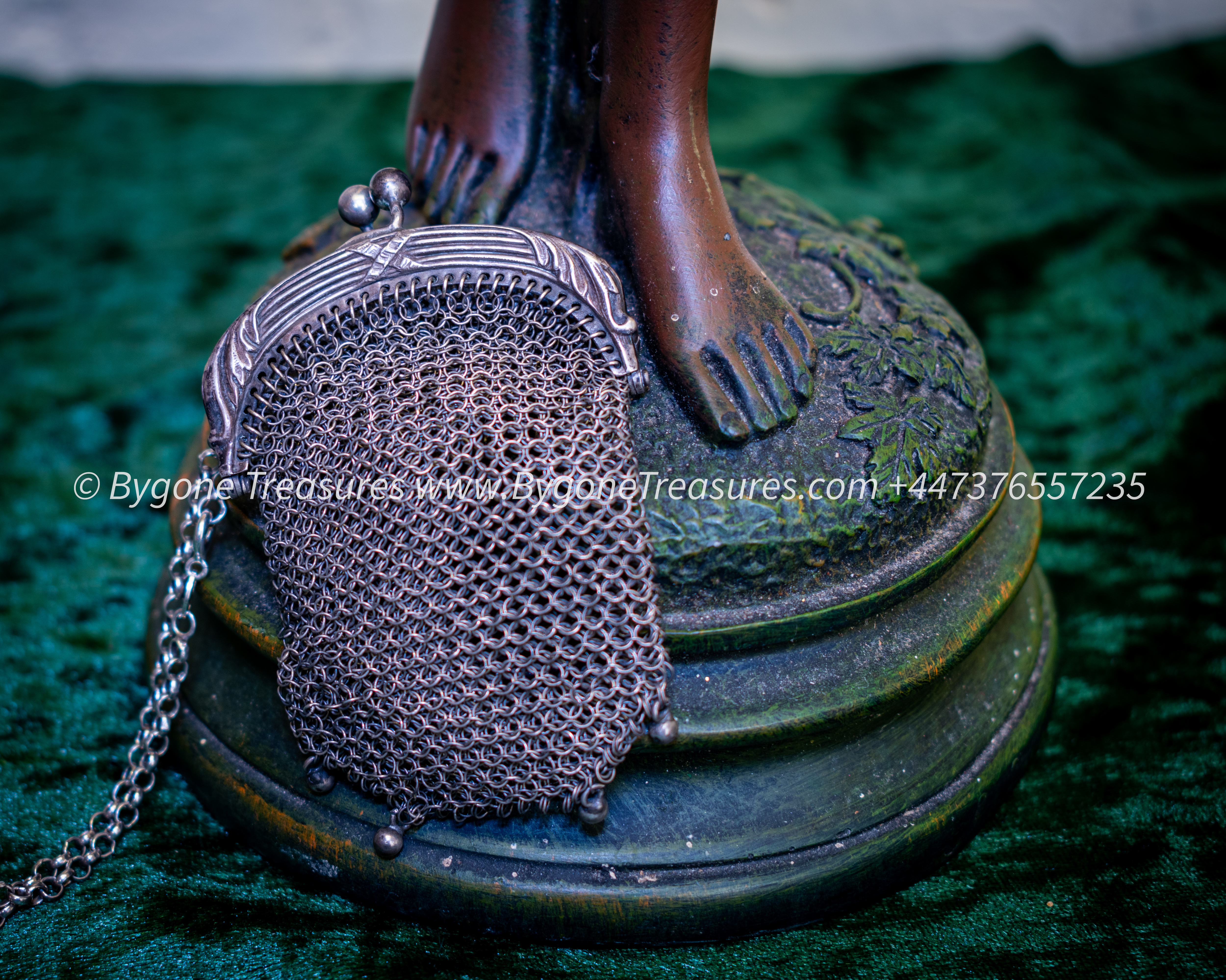 Vintage Round Chainmail Link Coin Purse with 2 compartments and handle-01