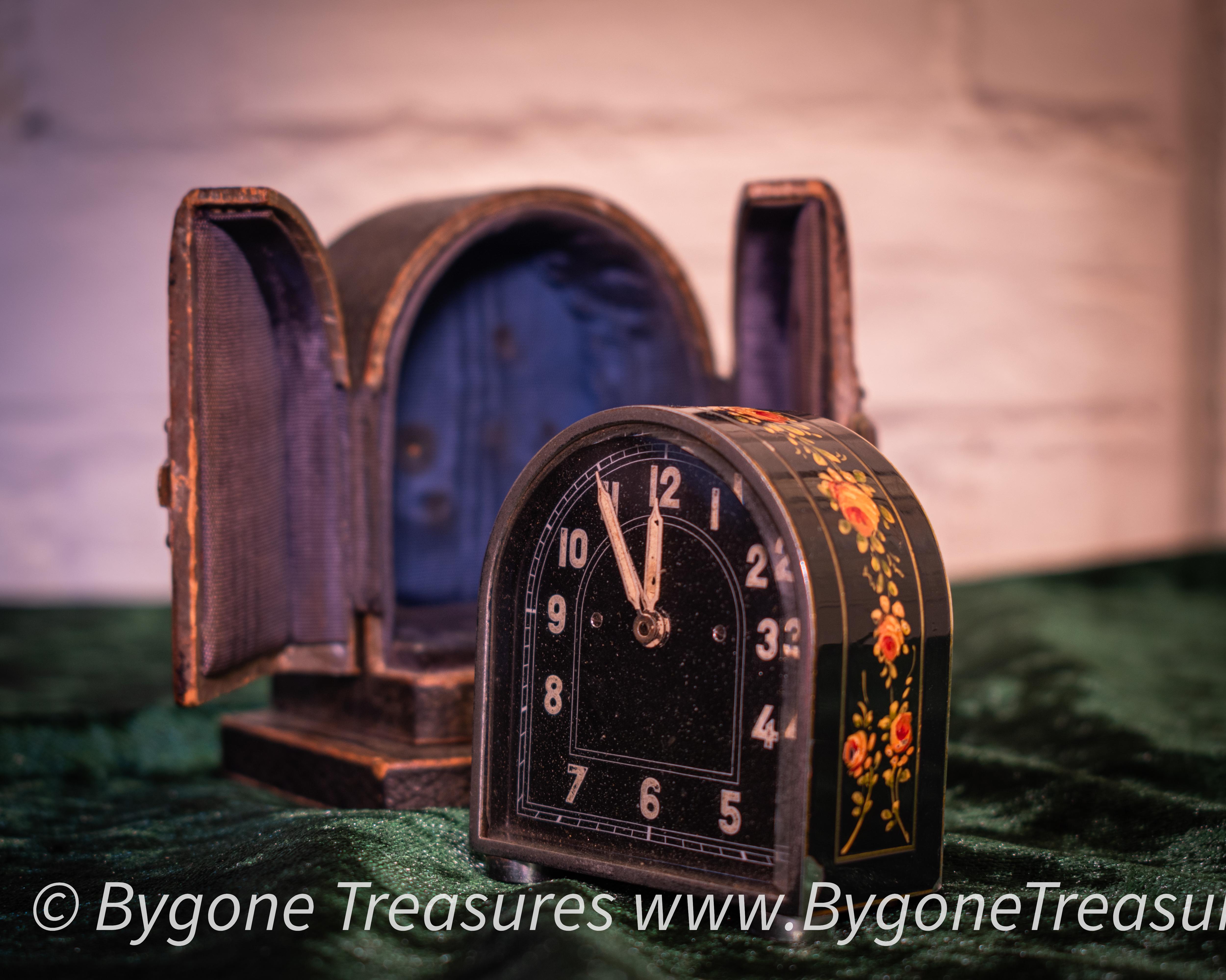 Art Deco 1920s Travel alarm clock painted tulip enamel design in case-01
