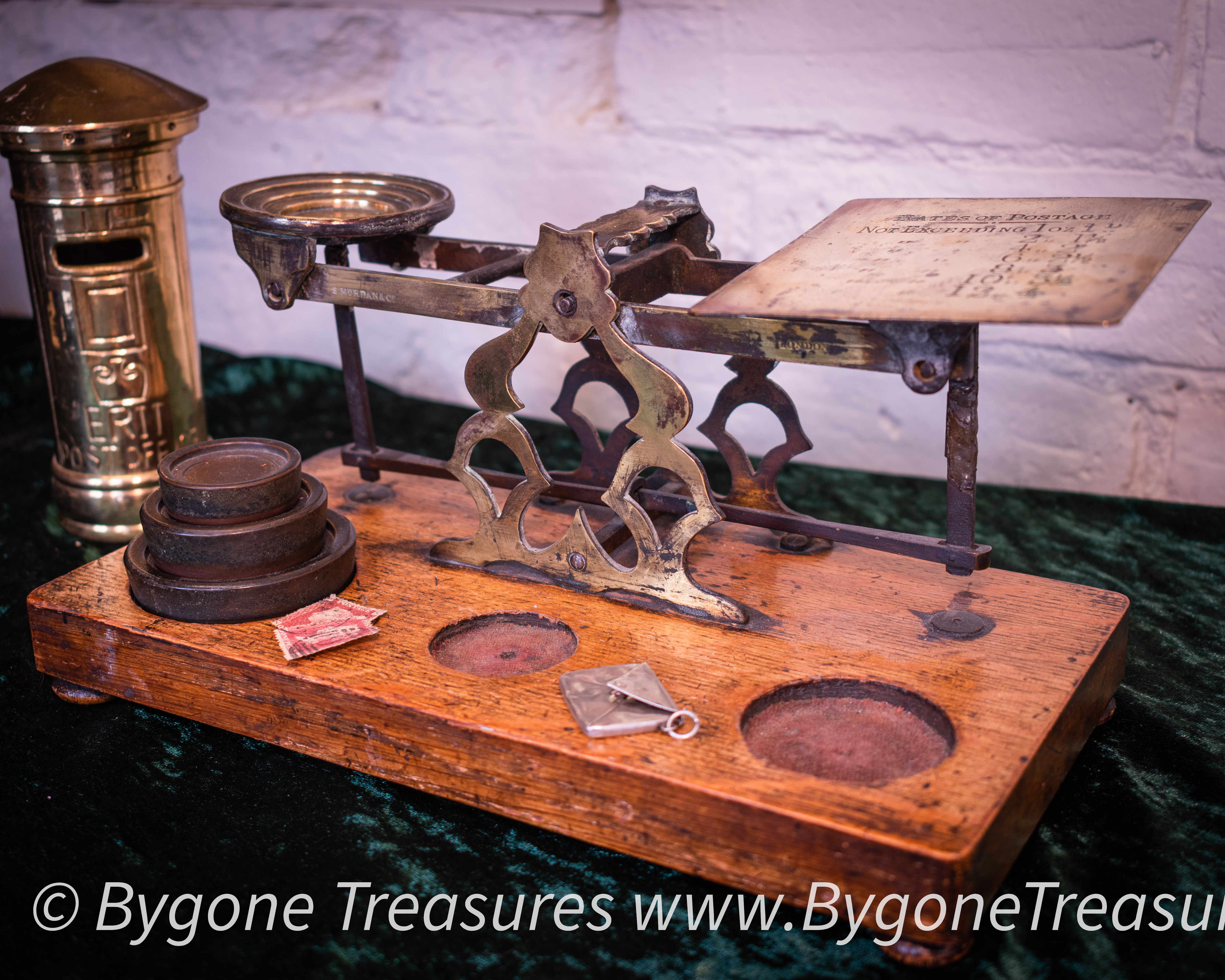 Vintage Post Office Scales-01